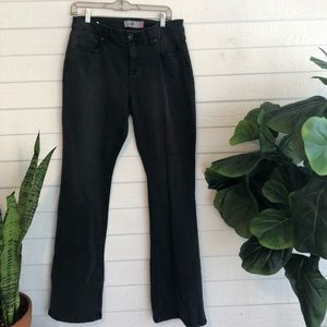 CABI size 10 curvy fit black wash jean